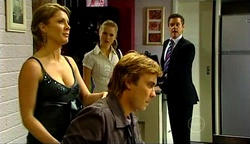 Izzy Hoyland, Elle Robinson, Robert Robinson, Paul Robinson in Neighbours Episode 4971