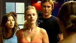 Katya Kinski, Elle Robinson, Robert Robinson, Izzy Hoyland in Neighbours Episode 4972