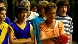 Zeke Kinski, Susan Kennedy in Neighbours Episode 4973
