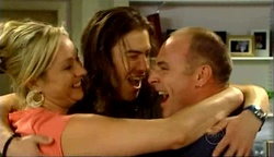 Janelle Timmins, Dylan Timmins, Kim Timmins in Neighbours Episode 4974