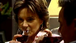 Lyn Scully, Paul Robinson in Neighbours Episode 4975