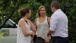 Sonya Mitchell, Steph Scully, Toadie Rebecchi in Neighbours Episode 7602