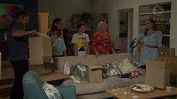 Gary Canning, Elly Conway, Jimmy Williams, Sheila Canning, Amy Williams in Neighbours Episode 7626