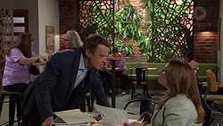 Paul Robinson, Terese Willis in Neighbours Episode 7631