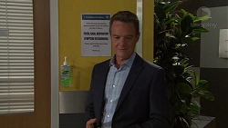 Paul Robinson in Neighbours Episode 7631