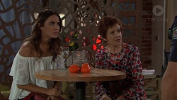 Elly Conway, Susan Kennedy in Neighbours Episode 7633