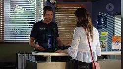 Mark Brennan, Elly Conway in Neighbours Episode 7633