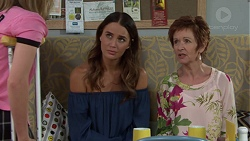 Elly Conway, Susan Kennedy in Neighbours Episode 7642