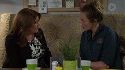 Terese Willis, Sonya Mitchell in Neighbours Episode 7643