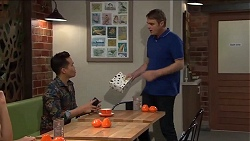 Val Bennet, Gary Canning in Neighbours Episode 7645
