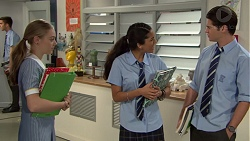 Willow Bliss, Yashvi Rebecchi, Ben Kirk in Neighbours Episode 7647