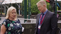 Sheila Canning, Clive Gibbons in Neighbours Episode 7648