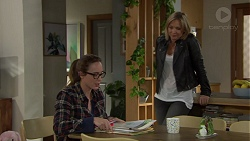 Sonya Mitchell, Steph Scully in Neighbours Episode 7654