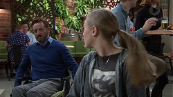 Fergus Olsen, Willow Bliss in Neighbours Episode 7659