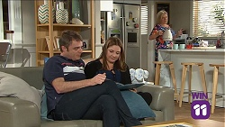 Gary Canning, Terese Willis, Sheila Canning in Neighbours Episode 7661