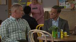 Clive Gibbons, Paul Robinson in Neighbours Episode 7667