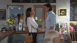 Elly Conway, Leo Tanaka in Neighbours Episode 7680
