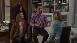 Amy Williams, Nick Petrides, Steph Scully in Neighbours Episode 7680