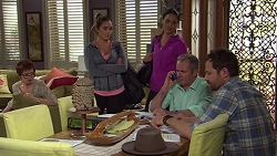 Susan Kennedy, Paige Novak, Elly Conway, Karl Kennedy, Shane Rebecchi in Neighbours Episode 7684