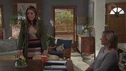 Paige Novak, Steph Scully in Neighbours Episode 7690