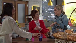 Dipi Rebecchi, Susan Kennedy, Courtney Grixti in Neighbours Episode 7691