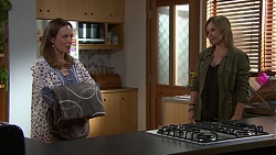 Sonya Mitchell, Steph Scully in Neighbours Episode 7694