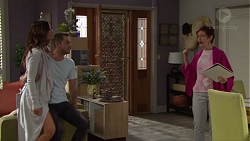 Elly Conway, Mark Brennan, Susan Kennedy in Neighbours Episode 7697