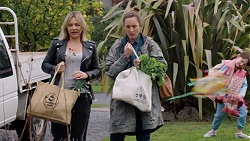 Steph Scully, Sonya Mitchell in Neighbours Episode 7698