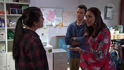 Yashvi Rebecchi, Jack Callaghan, Dipi Rebecchi in Neighbours Episode 7700