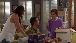 Elly Conway, Mark Brennan, Susan Kennedy in Neighbours Episode 7700