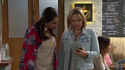 Dipi Rebecchi, Steph Scully in Neighbours Episode 7700