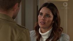 Mark Brennan, Elly Conway in Neighbours Episode 7700