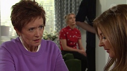 Susan Kennedy, Piper Willis, Terese Willis in Neighbours Episode 7701