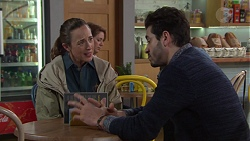 Sonya Mitchell, Sam Feldman in Neighbours Episode 7704
