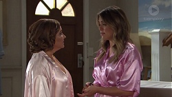 Terese Willis, Paige Novak in Neighbours Episode 7706