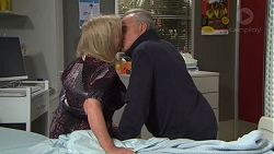 Sheila Canning, Hamish Roche in Neighbours Episode 7709