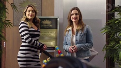 Paige Novak, Amy Williams in Neighbours Episode 7711