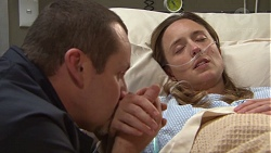 Toadie Rebecchi, Sonya Mitchell in Neighbours Episode 7711
