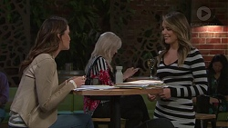 Elly Conway, Paige Novak in Neighbours Episode 7712
