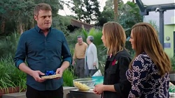 Gary Canning, Piper Willis, Terese Willis in Neighbours Episode 7716