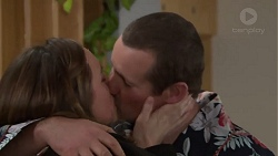 Sonya Mitchell, Toadie Rebecchi in Neighbours Episode 7717