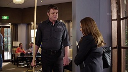 Gary Canning, Terese Willis in Neighbours Episode 7718