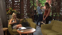 Courtney Grixti, Mark Brennan, Gabriel Smith, Paige Novak in Neighbours Episode 7719