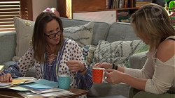 Sonya Mitchell, Steph Scully in Neighbours Episode 7719