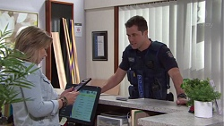 Steph Scully, Mark Brennan in Neighbours Episode 7722