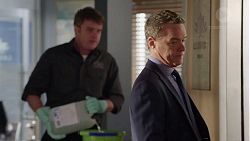 Gary Canning, Paul Robinson in Neighbours Episode 7724